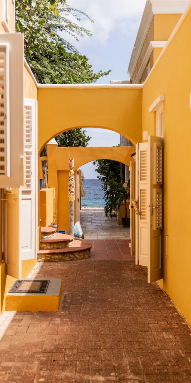 Sirena Bay - Gate