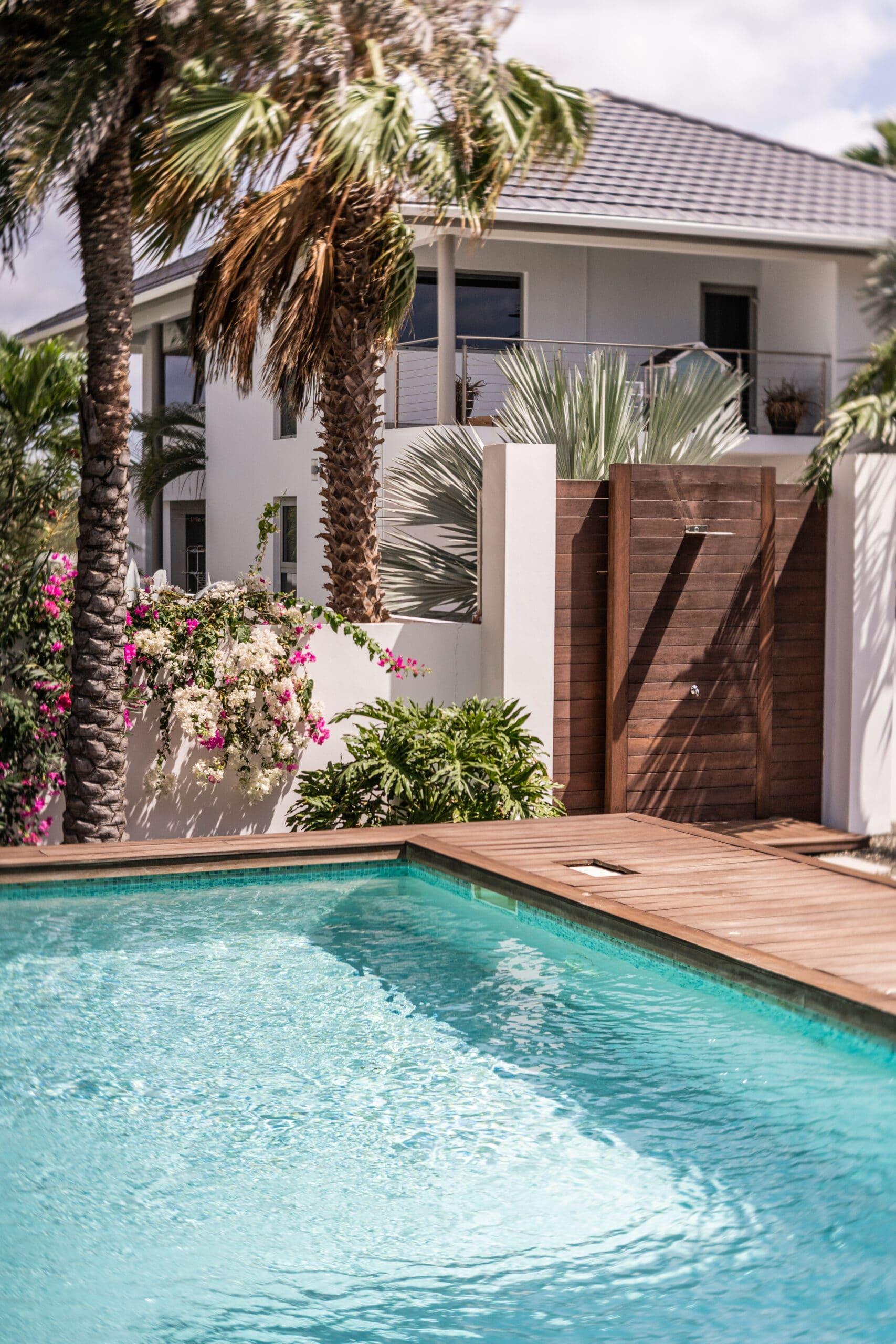 riccavitta- front pool