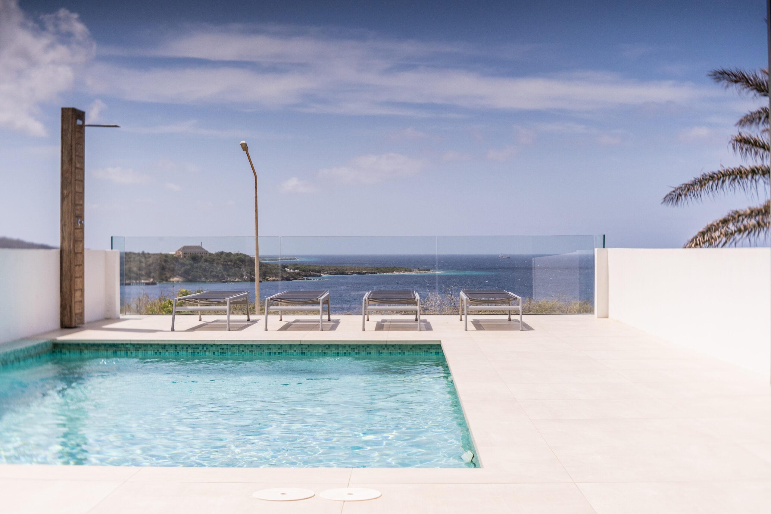 riccavitta- pool view
